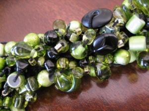 bead-crochet-bracelet-close-up