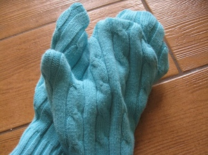 recycled-sweater-mittens